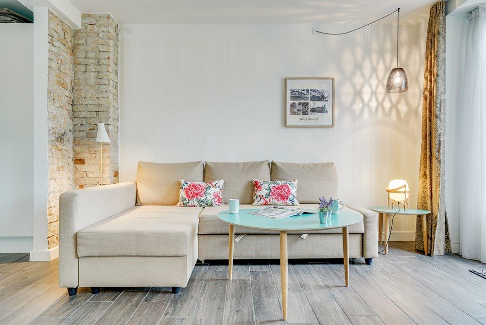 ferielejlighedens sofaområde